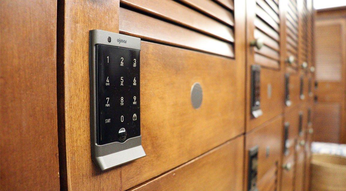 Ojmar black Electronic lock on wooden locker