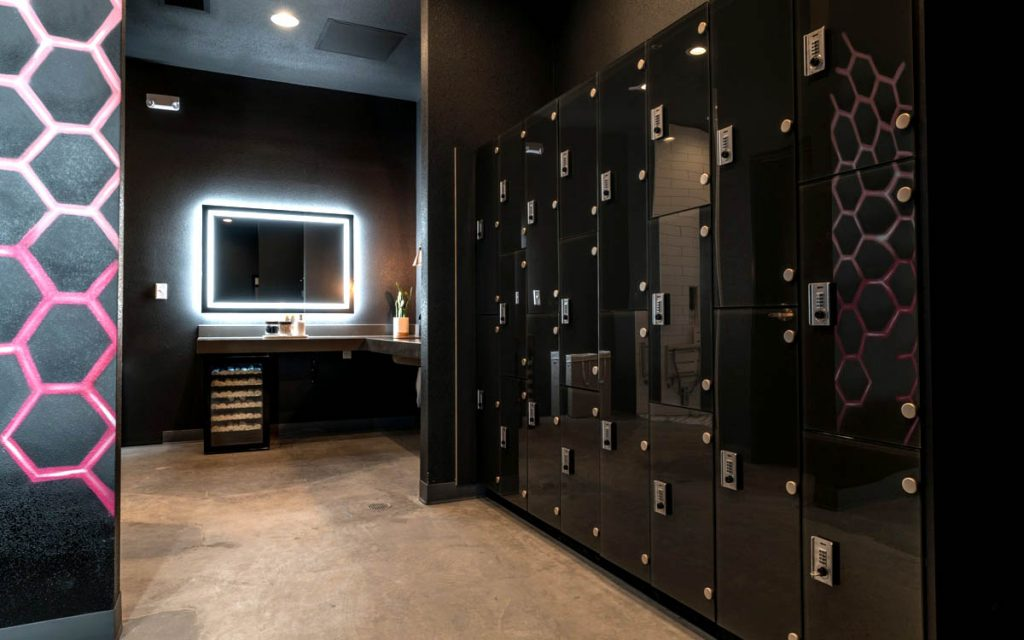 Ojmar Combi Combination lock on glossy black lockers