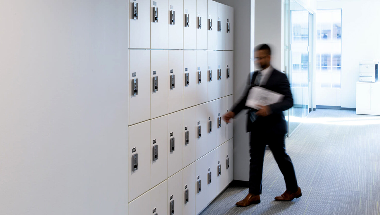 Ojmar Combi on white Lockers for office space
